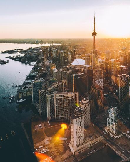 A city of view Canada with the sunsetting as a travel destination.