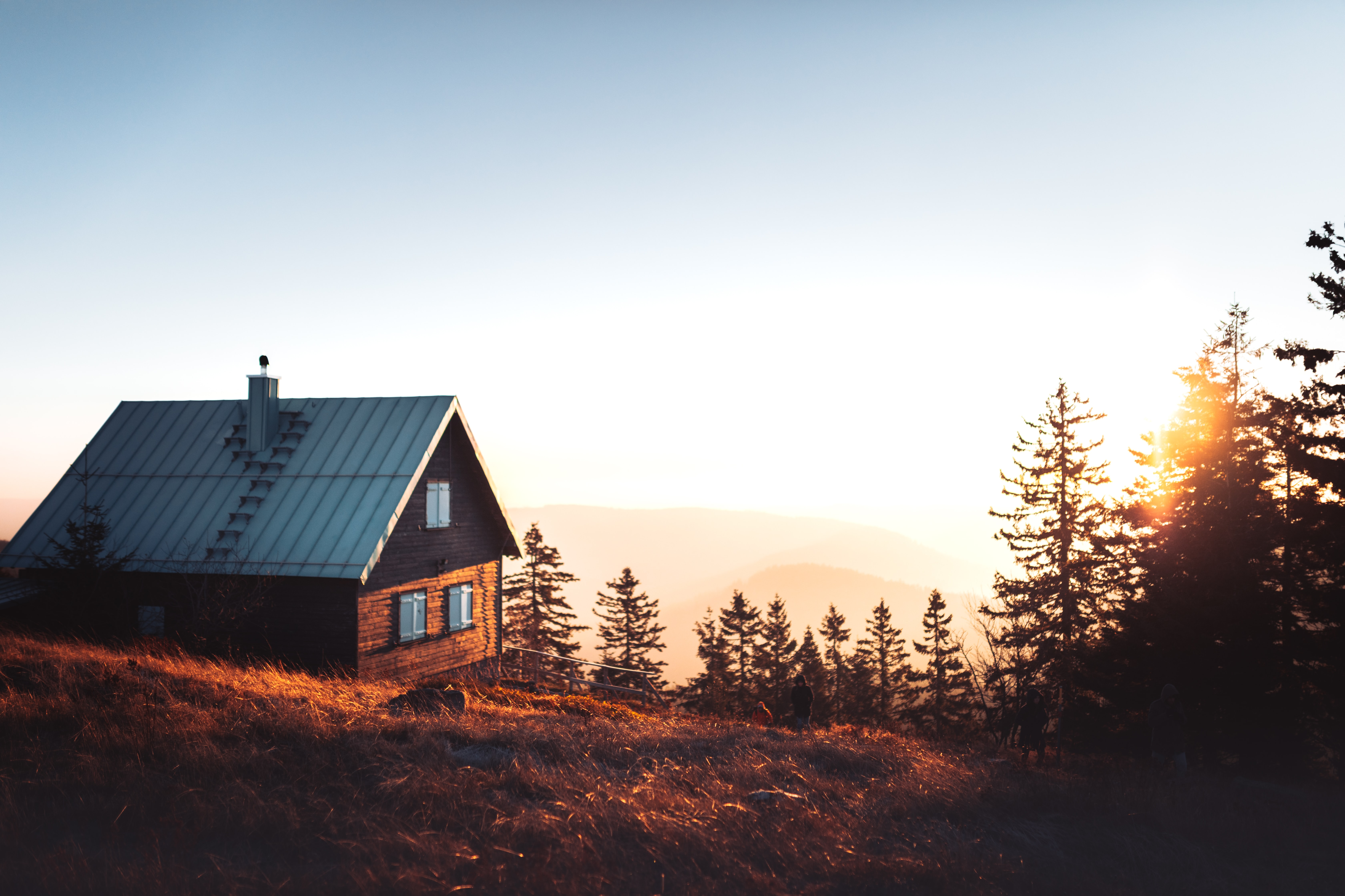 How to Have the Perfect Log Cabin Stay: cabin in the mountains